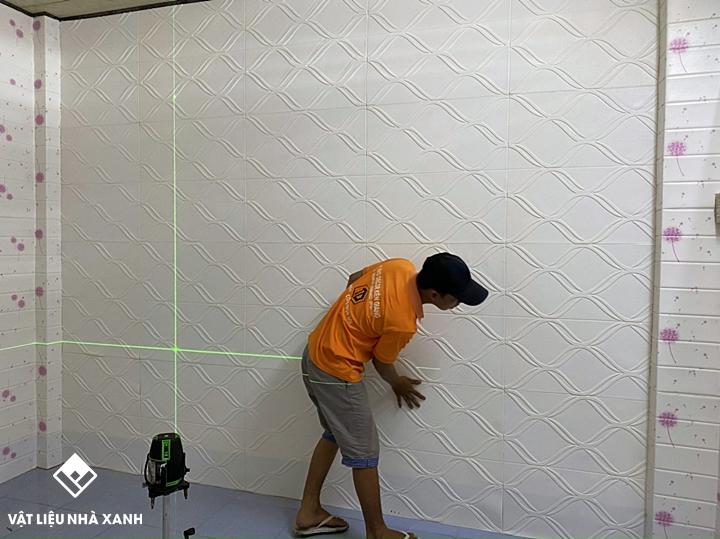 thi công dán xốp dán tường lên tấm Cemboard