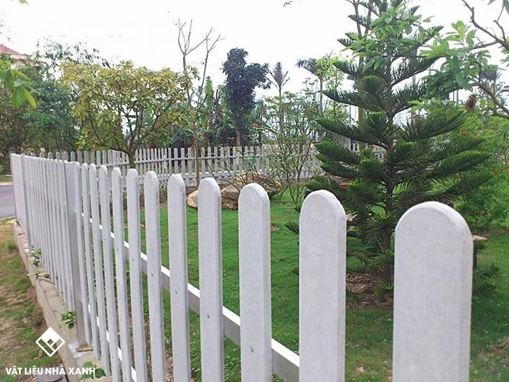 giá hàng rào gỗ smartwood
