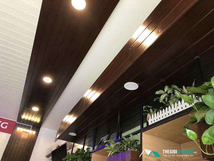 Giá gỗ ốp trần nhà Smartwood bao nhiêu