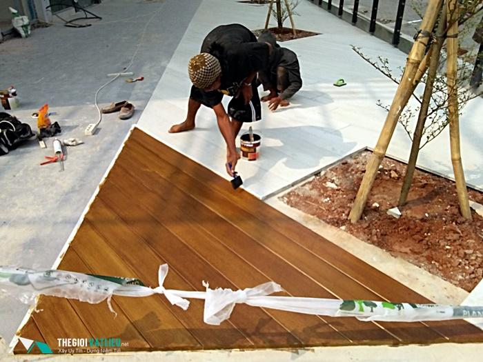Sơn giả gỗ trên tường