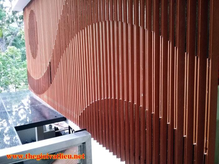 giá lam che nắng gỗ Smartwood SCG Thái Lan