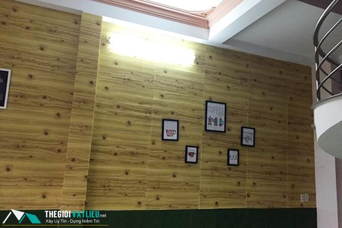 Xốp dán tường giả gỗ giá rẻ tại Tphcm