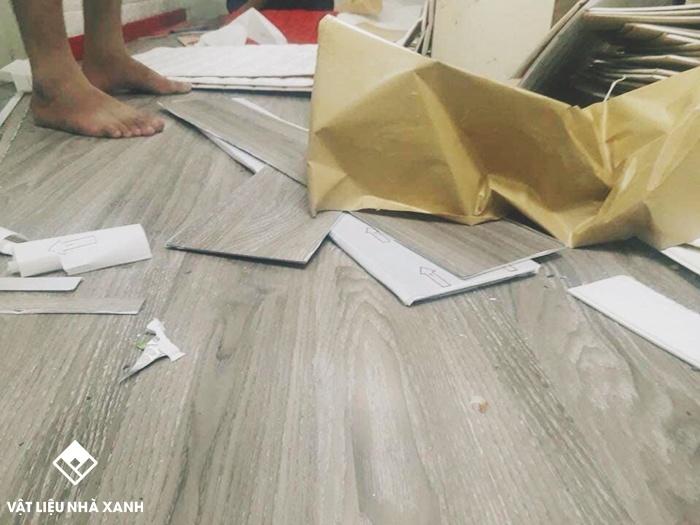 sàn nhựa giả gỗ bóc dán