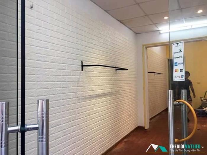 xốp dán tường 3d trắng
