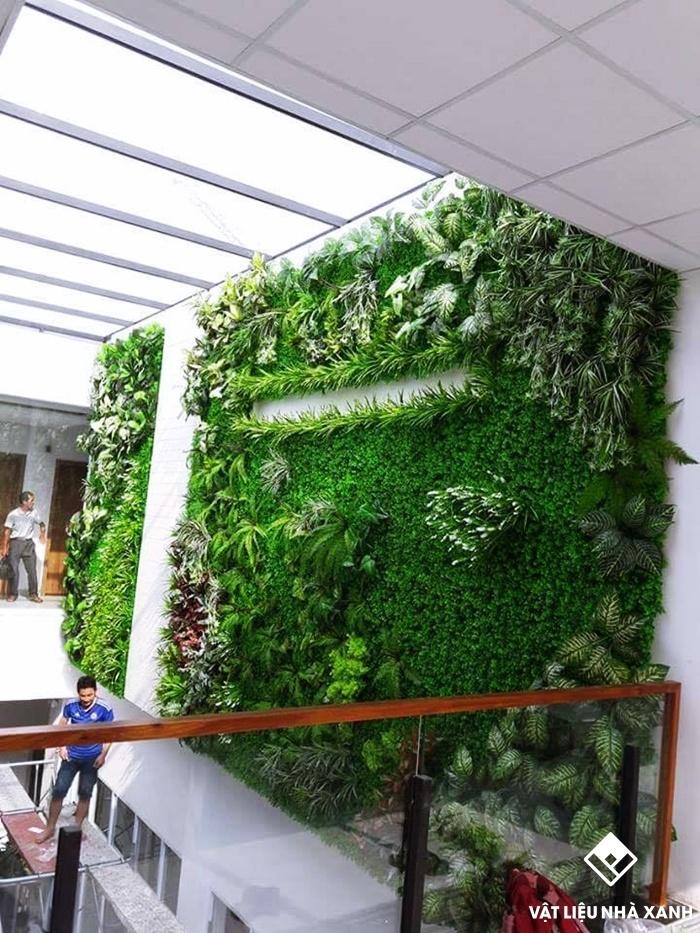 cách ốp cỏ nhân tạo lên tường