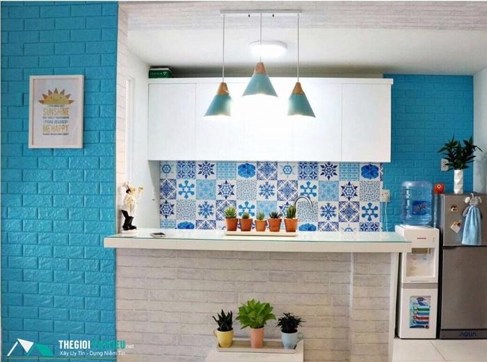 xốp dán tường chống ẩm phòng bếp