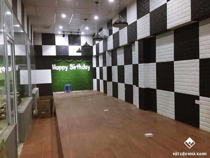 xốp dán tường chống ẩm quán cafe