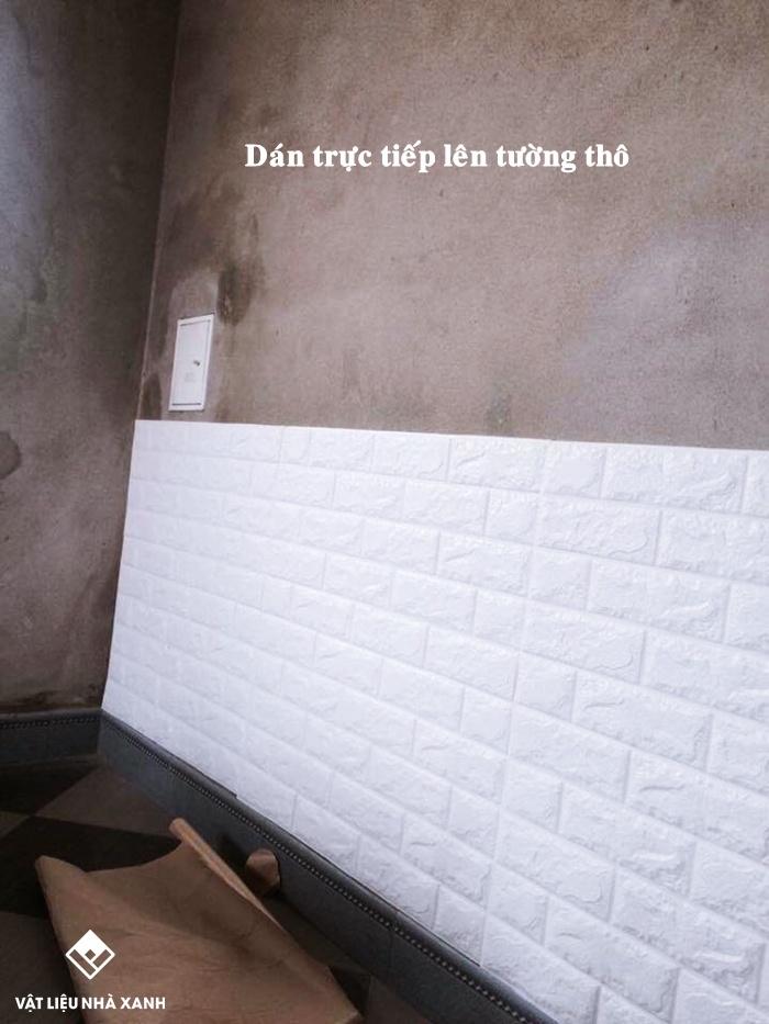 Tường không sơn có dán tường được không