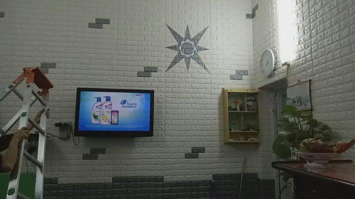 Sử dụng xốp dán tường tại các vị trí ít tiếp xúc ánh nắng mặt trời