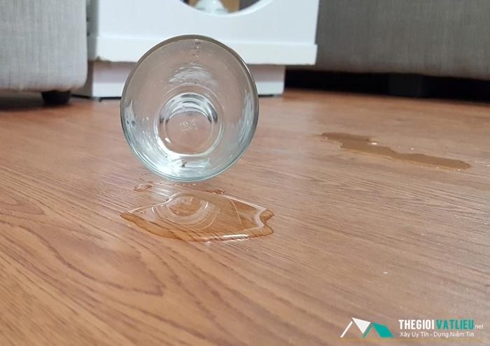 sàn nhựa chịu nước