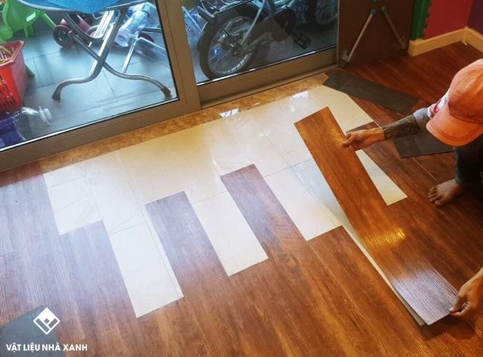 thi công sàn nhựa dán keo