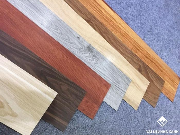 giá sàn nhựa dán giả gỗ