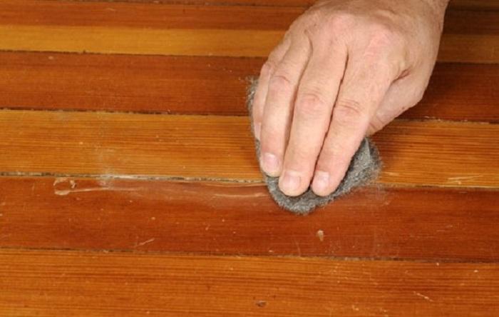 Sàn gỗ bị mốc do nhiều nguyên nhân chủ quan
