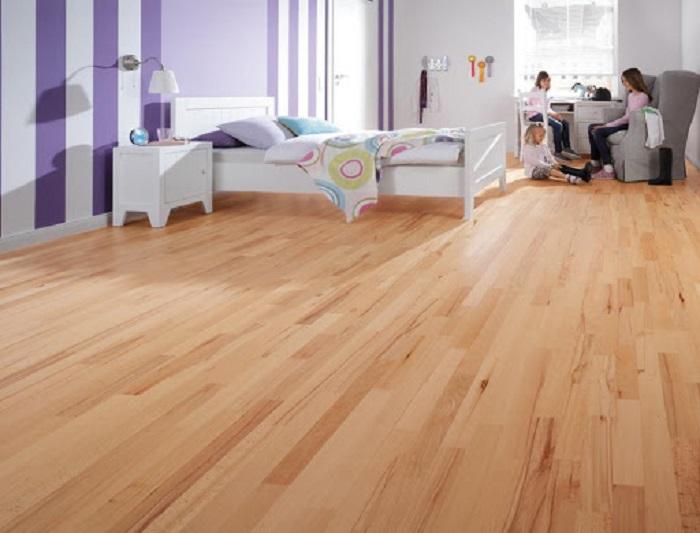 Sàn gỗ sạch sau khi xử lý ẩm mốc