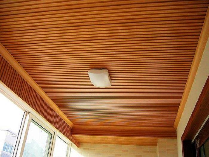 Làm sạch trần gỗ