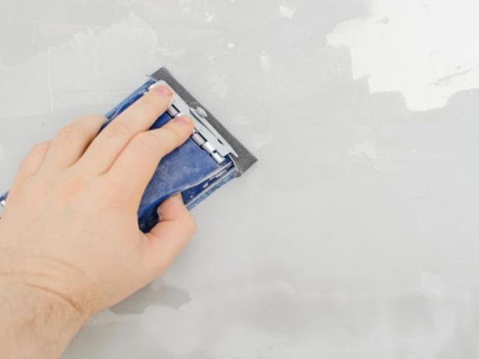 Đừng quên làm sạch tường cẩn thận trường khi thi công