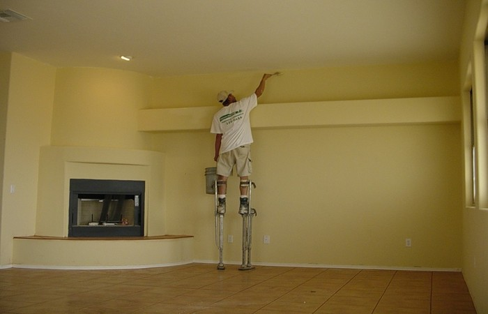 Với những cách đơn giản này, bạn sẽ xử lý được trần nhà bị bong tróc