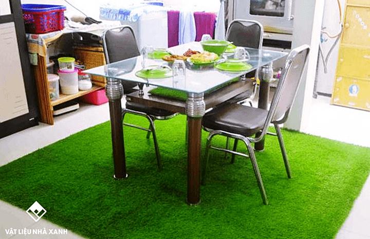 Lót thảm cỏ nhân tạo trong nhà